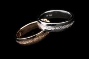 4 Abielusõrmused - valge kuld, kuld, keskosa mateeritud