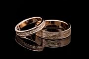 48 Abielusõrmused - kuld, briljandid, mehe sõrmus karestatud pinnaga