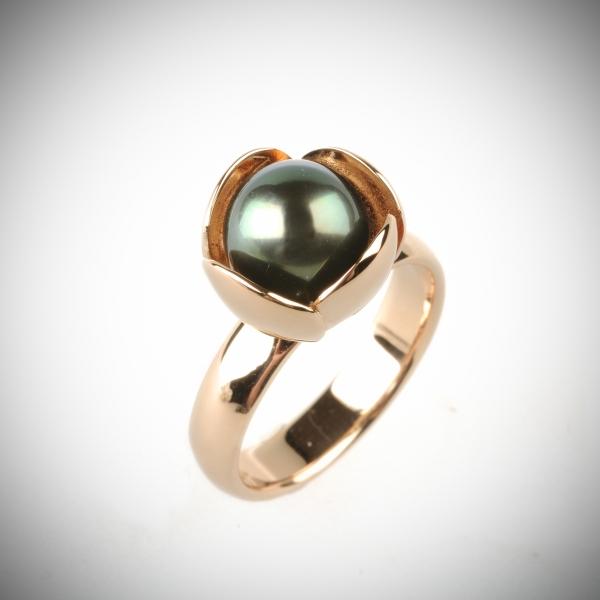 72 Sõrmus - kuld, pärl
